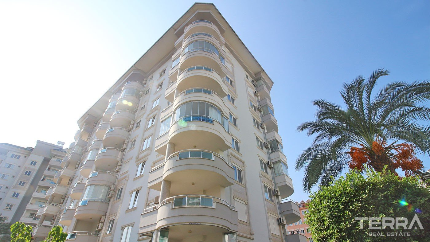 Charming Mountain View Apartment Located in Cikcilli Alanya