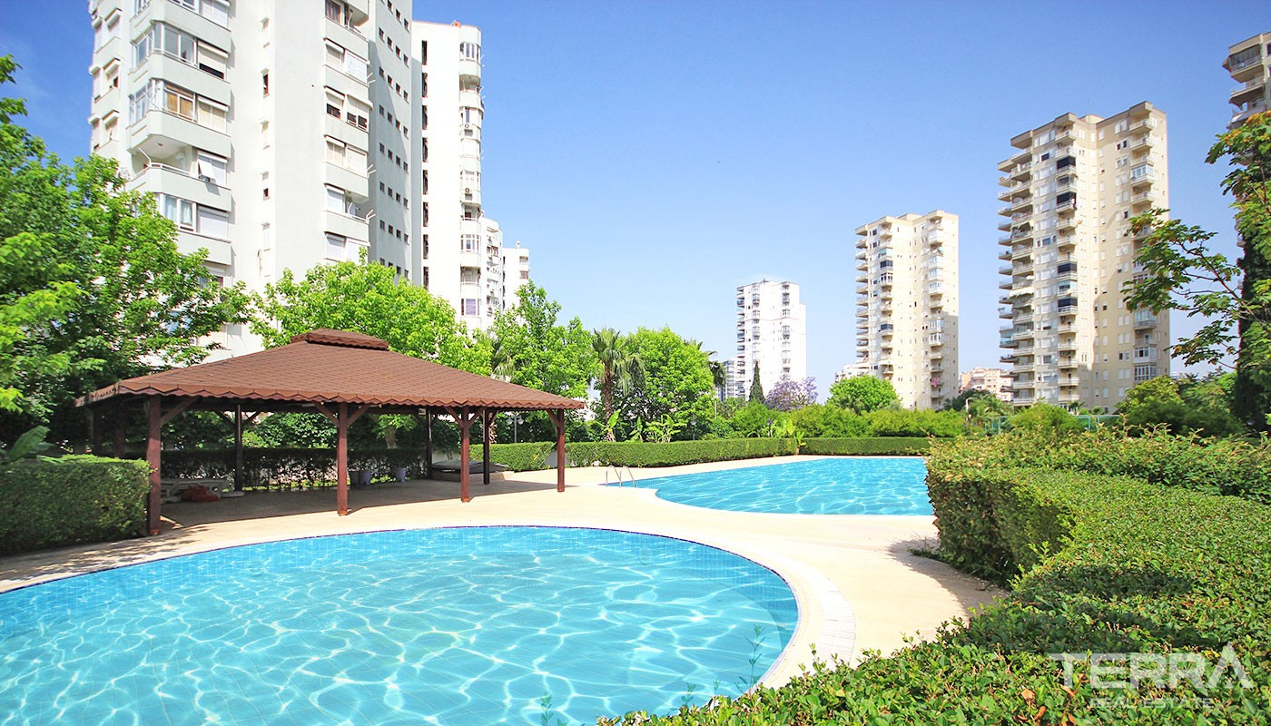 Resale 2 Bedroom Flats with Prime Location in Antalya Lara