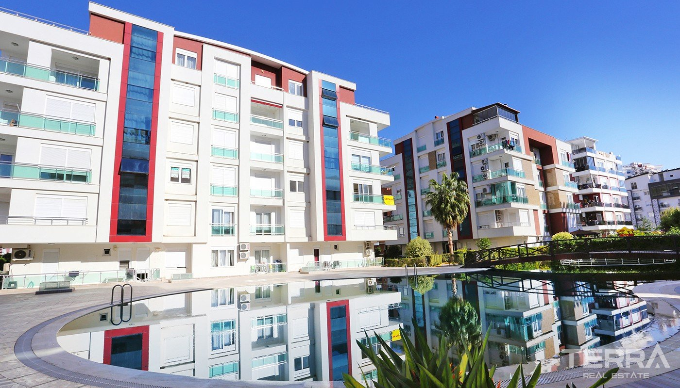 Furnished Flat in Complex with Rich Facilities in Antalya Konyaaltı