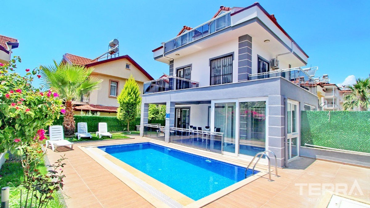 Furnished Detached House with Private Pool for sale in Fethiye Çalış