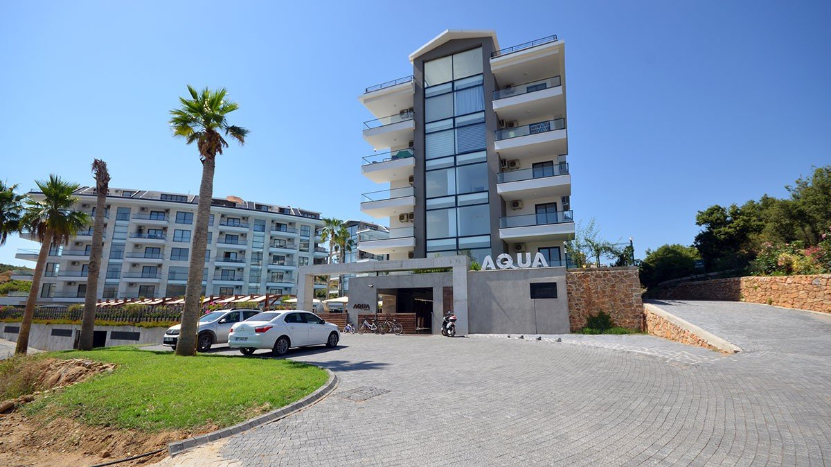 Beautifully designed sea view apartments for sale in Kestel, Alanya