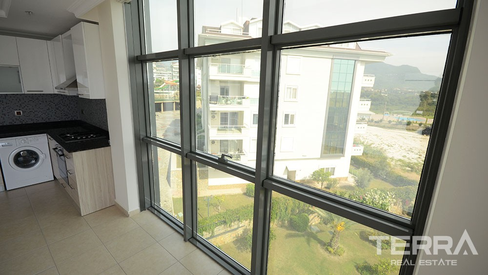 Re-sale 1+1 corner apartment at popular Olive City in Alanya