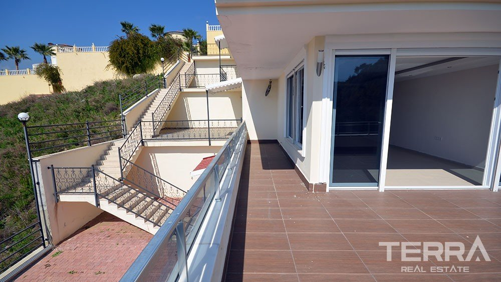 Sea and panaromic view apartment for sale in Kargicak, Alanya