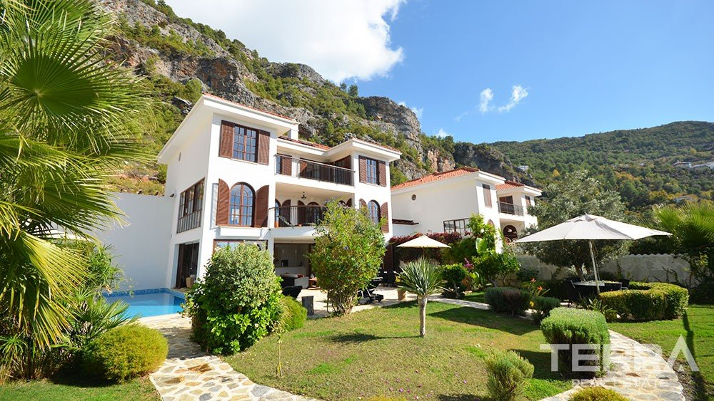 Luxury detached villa for sale in Alanya