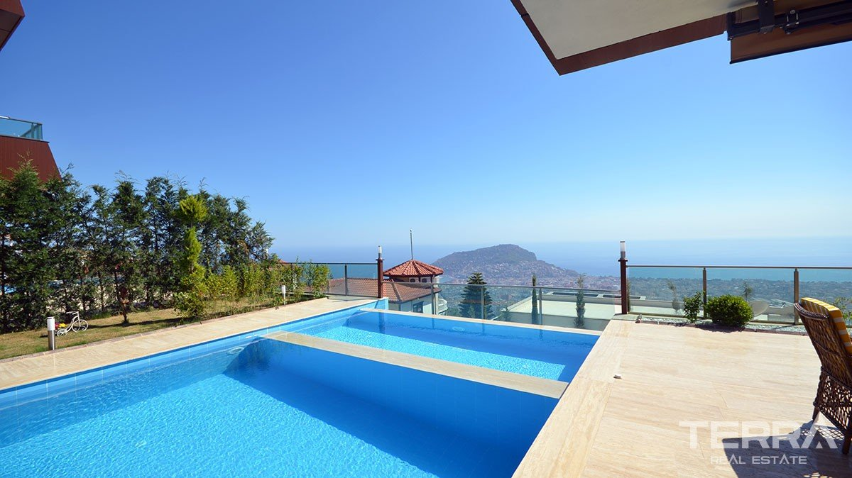 Villas for sale in Bektas, Alanya with pool & garage