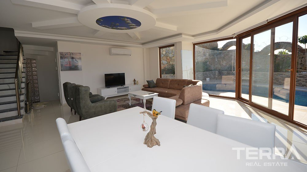 Detached villa for sale in Kargicak, Alanya