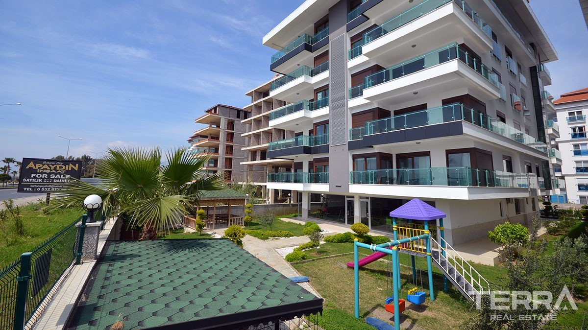 Exclusive beach front penthouse apartments for sale in Kestel Alanya