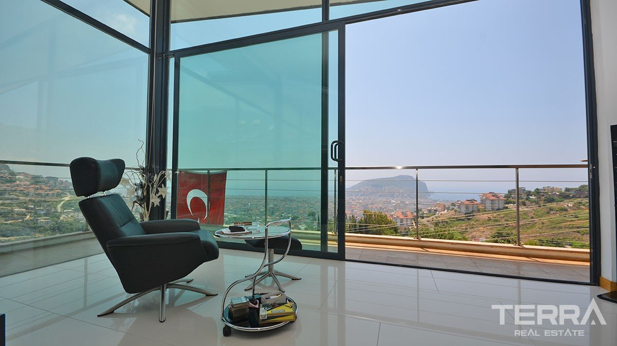Exclusive Design Villa for Sale in Alanya With Endless Sea View