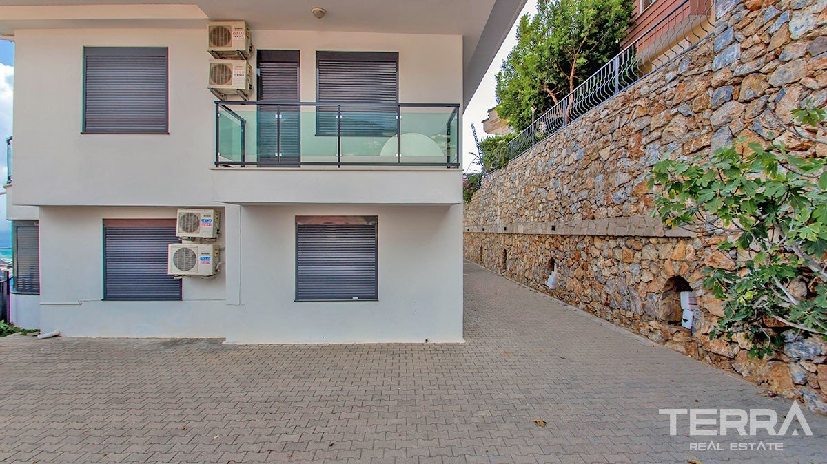 Uninterrupted sea view twin villa for sale in Alanya