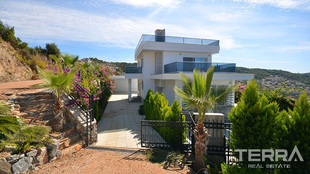 Detached sea view villa for sale in Kargıcak, Alanya