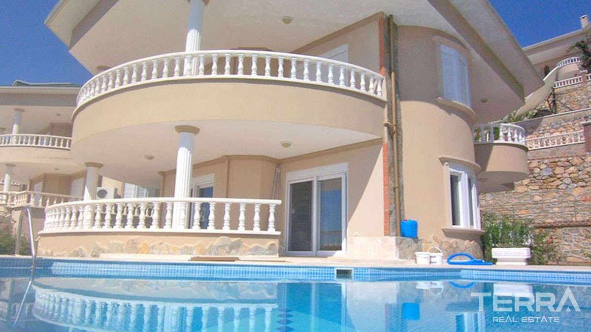 Fully Furnished Sea View Villa for Sale in Alanya with Modern Style