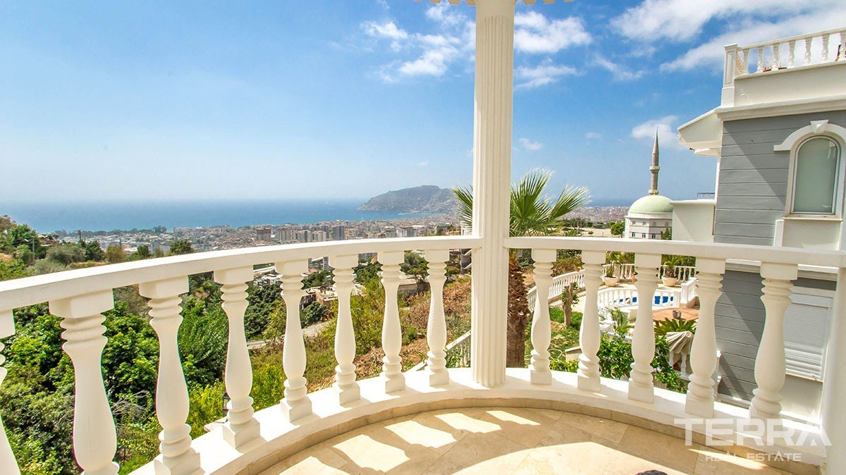 Fully Furnished Sea View Villa for Sale in Alanya, Cikcilli