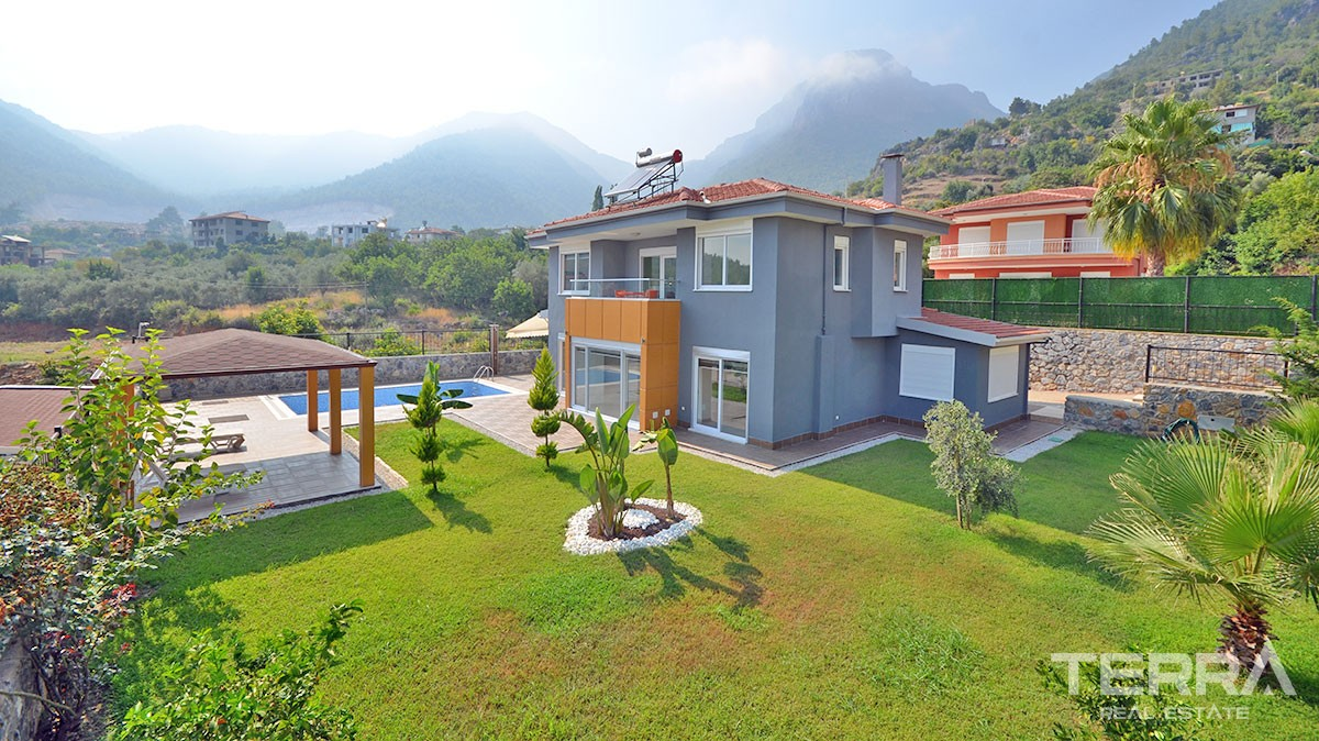 Fully Furnished Exclusive Villa in Alanya Oba